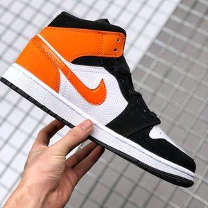 Air Jordan 1 Mid Buckle